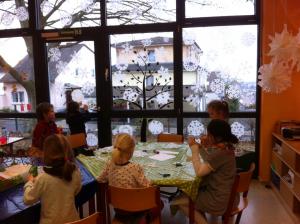 schneeflockenfenster_basteln